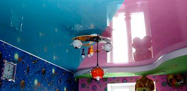Глянцевый натяжной потолок в детской